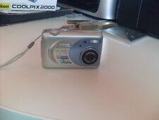 digital camera Nikon Coolpix 2000