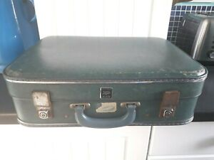 Boots Vintage Hi-Flite Suitcase 1950s 1960s BA Approved Size Turquoise Green