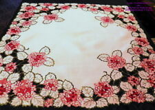 NAPPE SURNAPPE CENTRE DE TABLE BRODEE POLYESTER  85X85 LES HORTENSIAS ROSES*