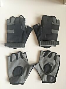 TWO PAIRS OF FINGERLESS CYCLING GLOVES - ONE PAIR FROM BIKE HUT - SIZE SMALL