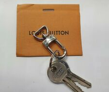 LOUIS VUITTON AUTHENTIC KEY RING COLOR SILVER FROM KEEPALL!!