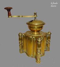 trés original moulin à café ancien tout en laiton