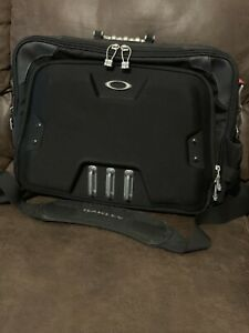 Oakley Home Office Sink Collection Computer Bag Black Metal 92606-001 RARE