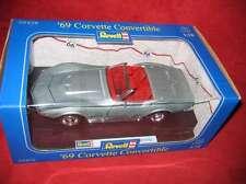 REVELL ® 08438 1:18'69 Corvette convertible argent métallique NOUVEAU neuf dans sa boîte