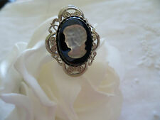 VINTAGE BLACK and WHITE GLASS CAMEO RING SET IN SILVER FILIGREE