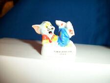 TOM CAT BLUE JEANS SHIRT & SNEAKERS Mini Figurine Porcelain FEVES Figure & Jerry