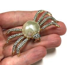 Vtg Figural Spider Brooch Pearl Cab Pave Rhinestone Legs & Green Eyes Gold EE94u