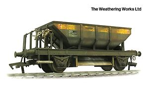 Heljan ZFV Dogfish Dutch Open Ballast Wagon / Hopper *PRO WEATHERED LOOK*
