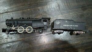 AMERICAN FLYER #300 AC Reading 4-4-2 Atlantic Locomotive & Tender, LOT # 1104