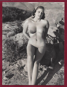 1950's Vintage Risque Photo~Perfect Body Super Puffy Pinup Delores Reed Outside