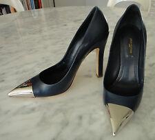 Escarpins Louis Vuitton Merry Go Round pointe metal cuir veau bleu, 38 neufs!