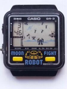 INTERESTING RARE VINTAGE CASIO MOON FIGHT ROBOT GAME WRISTWATCH - NO RESERVE.