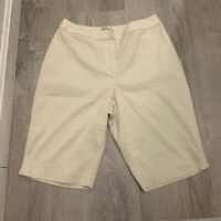 Chicos Womens Shorts Sz M Sz 1 Tan Beige Bermuda Walking Chino Casual WP35