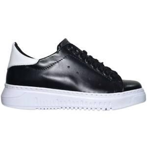 Sneaker bassa uomo nera in vera pelle con fortino bianco fondo alto army handmad
