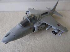 HM FORZE ARMATE vettore Harrier spinta JET FAST ATTACK JET A DECOLLO VERTICALE SCALA Piano RAF
