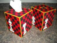 TISSUE BOX COVER - CHESS - Plastic Canvas