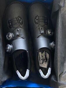 New! Shimano XC9 S-Phyre Mountain Biking Shoes Size 9.7 US, 44 EU (Black)