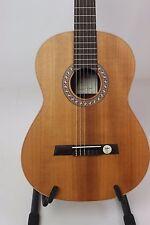 chitarra classica Höfner HGL-8 Green Line con domestico Woods Espositori