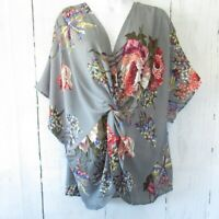 New Umgee Top 2X Gray Floral Gathered Knot Reversible Plus Size