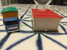 Matchbox Lesney number 60 site hut lorry and hut + 1:87 HO scale Wiking garage