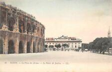 NIMES - 86-   la Place des Arènes - le palais de Justice