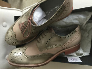 """New Men size 13 Kenneth cole """"more tricks"""" wingtips taupe"""