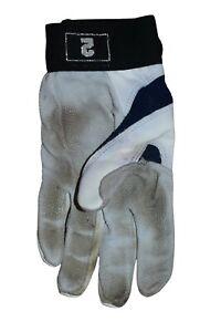 Derek Jeter Game Used Batting Glove 2010 Season Steiner COA