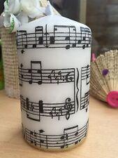 """Musica Foglio/""""MUSICA """"design A MANO DECORATO pilastro candela 10x6.5cm"""