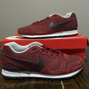 2014 Nike Air Waffle Trainer Mens size 10 Burgundy/Red