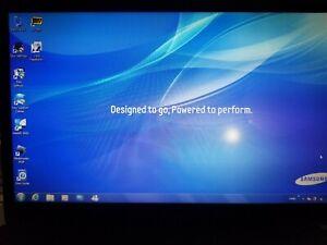 """Samsung NP300E5A-A02UB 15.6"""" Laptop PC Windows 7, I3 Processor"""