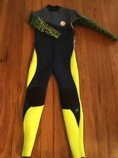 Rip Curl junior boys Steamer 4'3 wetsuit, New with tags size 16  RRP$430