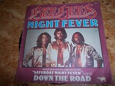 vinyle des BEEGEES  NIGHT FEVER