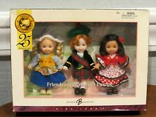 "New Barbie Pink Label ""Friends Of The World Europe"" Kelly Dolls 25Th Anniversary"