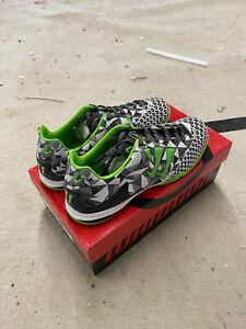 Kids Warrior Astro Turf Football Trainer Boots SIZE 6.5 - BRAND NEW BOYS JUNIOR