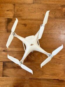 DJI Phantom 4 Pro V2.0 Quadcopter - White Very Good condition