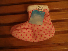 HOME SOCKS~ PINK WITH HEARTS ~ WHITE FAUX FUR INSIDE SIZE 6-8.5 RUNS SMALL