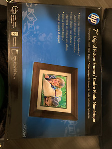 """*NEW* SEALED HP df730a2  7"""" LCD Digital Photo Frame High Res (800×600) FREE SHIP"""