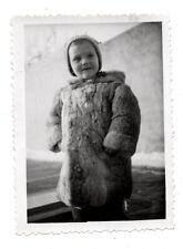 PHOTO ANCIENNE ENFANT Mode Manteau en Fourrure Vers 1950 Bonnet Portrait