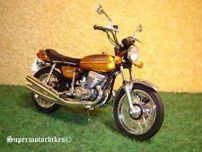 1:18 H2A de Kawasaki 750 Mach IV Goldmetallic 1973 / 02863