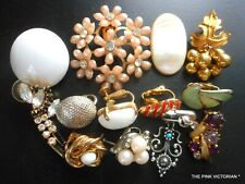 LOT OF 12 SINGLE VINTAGE EARRINGS FOR JEWELRY CRAFT PROJECTS,DESIGN,HARVEST,ART