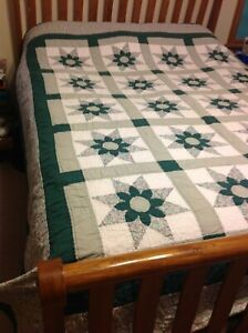 """Vtg  Country Farmhouse Patchwork Import Quilt Full Size 94"""" x 80""""  Green Star"""