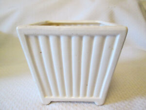 Vintage SQUARE RIBBED IVORY GLAZE 4 FOOTED PLANTER with candle holder