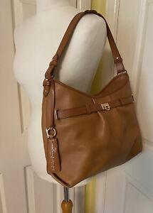 Salvatore Ferragamo Trifolio Shoulder Bag. Rrp £1100