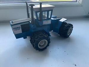 1:32 Ertl Ford FW-60 tractor