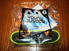 McDonald's Young Justice Robin Fingerskate Kids Meal Toy NIP #1