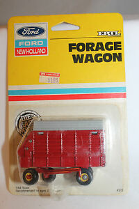 Ertl Ford New Holland, Forage Wagon, Gray Top,  New on Card,  1/64th Scale