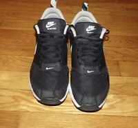 Nike Air Max Tavas Black Youth Size 7.5 (GS) Boys