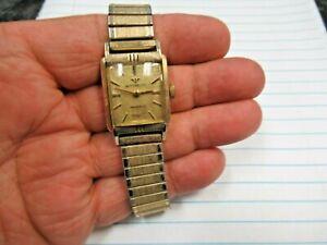 Vintage Wittnauer Swiss AXA 84/1G 17J Jewels Mechanical Wind Wristwatch Nice!