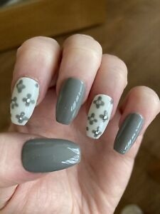 Grey & Gem Flower Design Press On Nails / False Nails / Stick On Nail