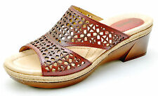 Earth Shoes ILARA Regal Red Slides Slip Ons Sandals Women's 6.5 - NEW